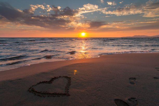 love heart shore ocean water sunrise sinset reflection